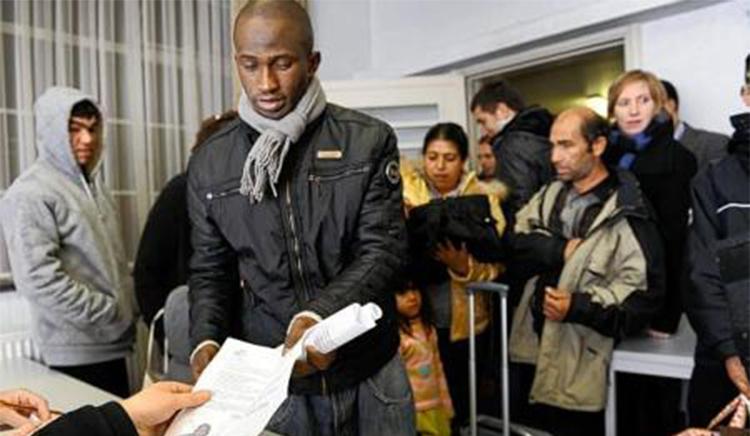 Le droit d'asile doit être modifié dans un sens restrictif – Face à la bombe migratoire