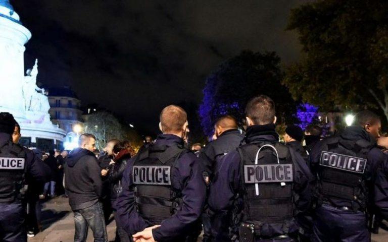 Paturel soutient les flics : esprit de groupe