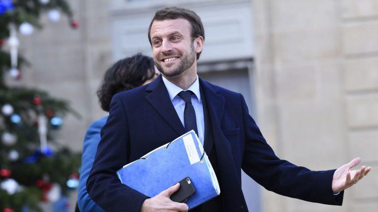Macron joue les jeunes contre les « vieux »
